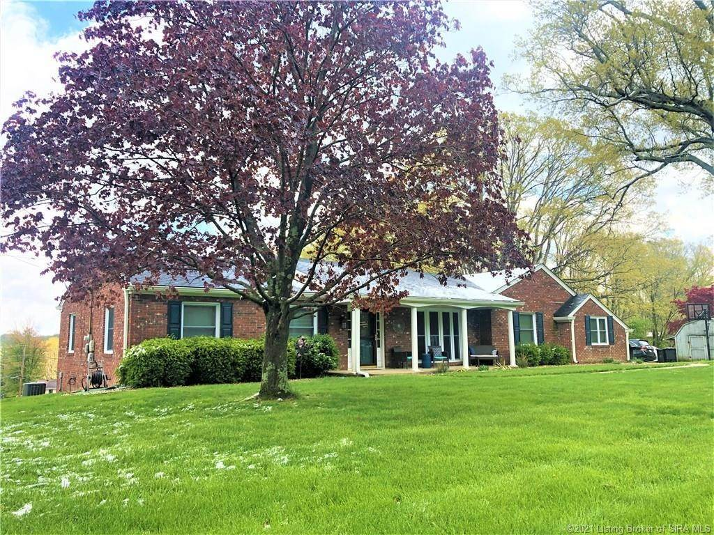 Single Family Homes por un Venta en 690 N Shady Lane North Vernon, Indiana 47265 Estados Unidos