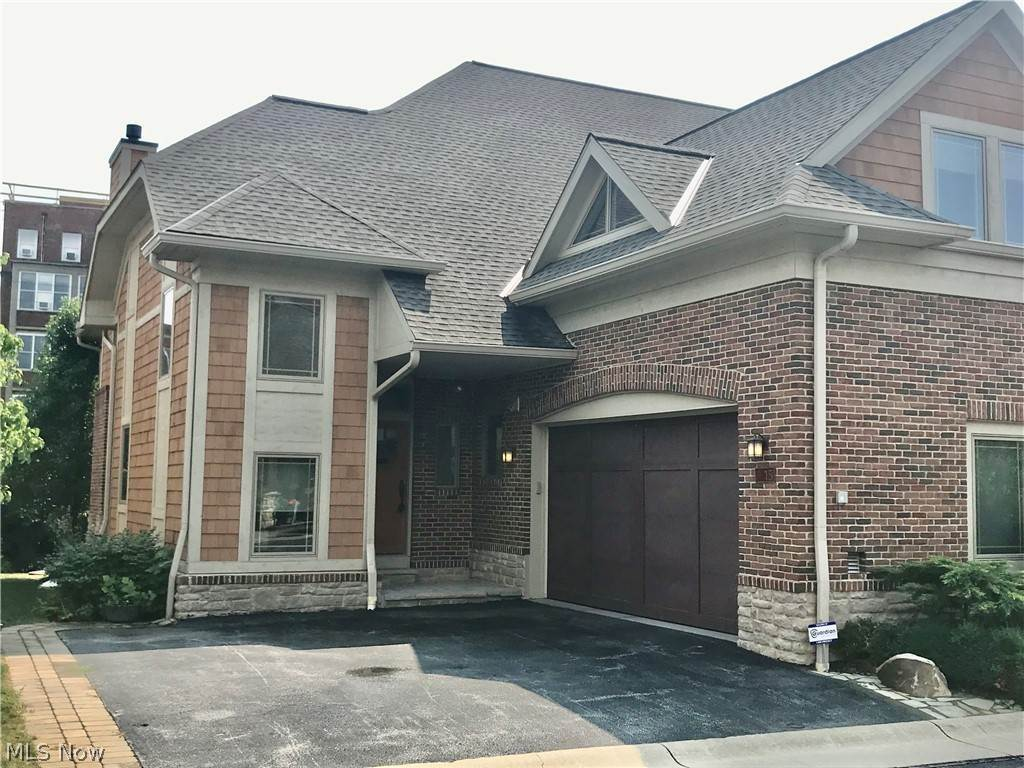 Residential for Sale at 15 Kenilworth Mews Cleveland Heights, Ohio 44106 United States