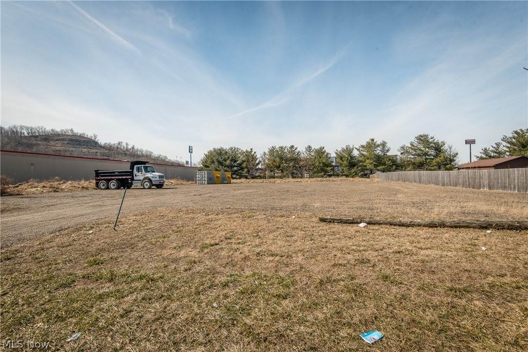 Land for Sale at 999 Garland Drive New Philadelphia, Ohio 44663 United States