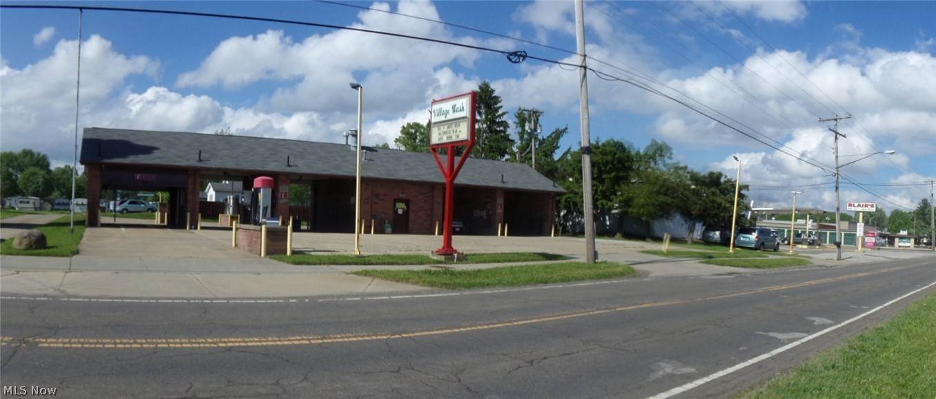 Commercial for Sale at 18600 5th Street 18600 5th Street Beloit, Ohio 44609 United States