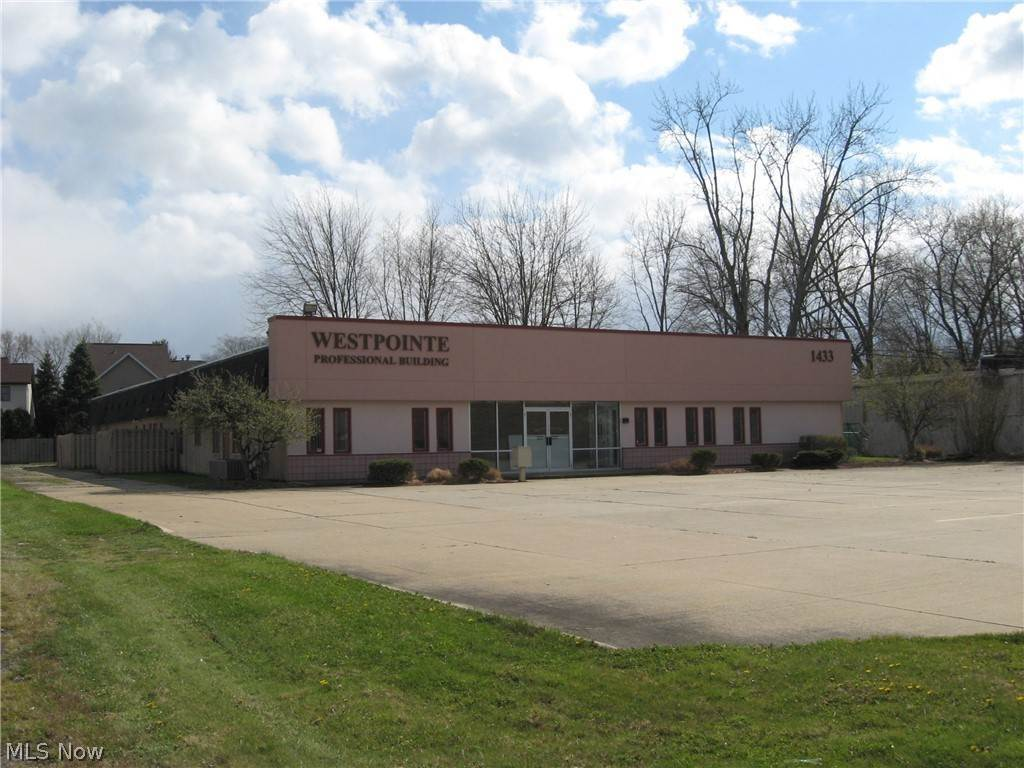 Commercial for Sale at 1433 W Bagley Road Berea, Ohio 44017 United States