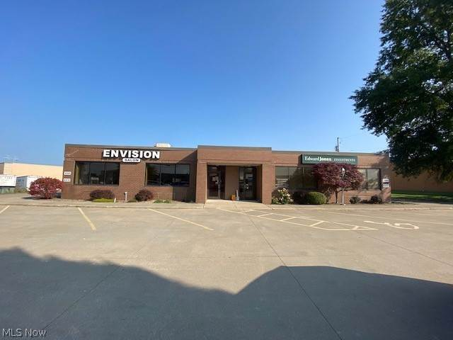 Commercial for Sale at 10200 Royalton Road North Royalton, Ohio 44133 United States