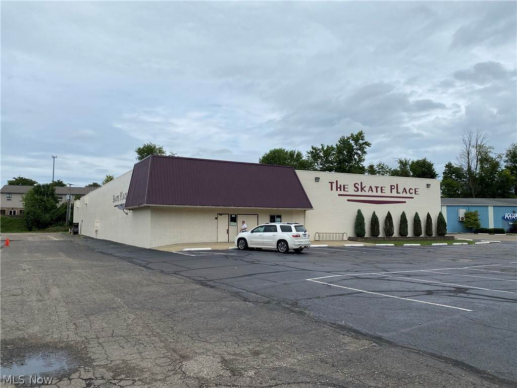 Commercial for Sale at 1143 Front Avenue SW New Philadelphia, Ohio 44663 United States