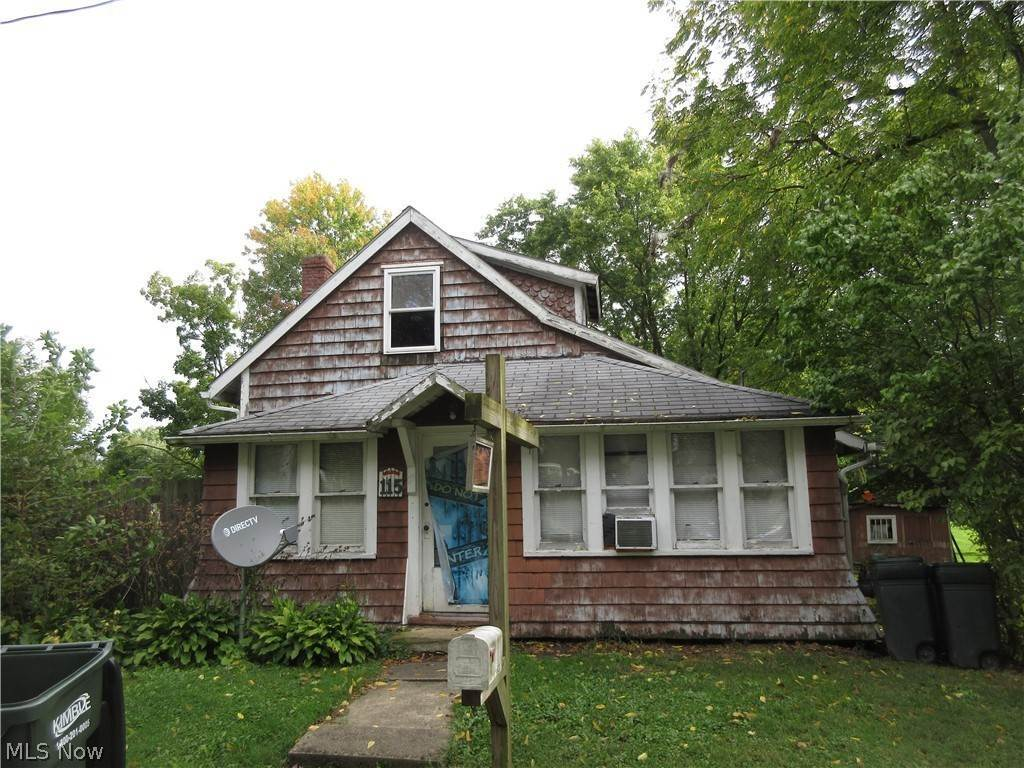 Residential for Sale at 115 Pine Street Creston, Ohio 44217 United States