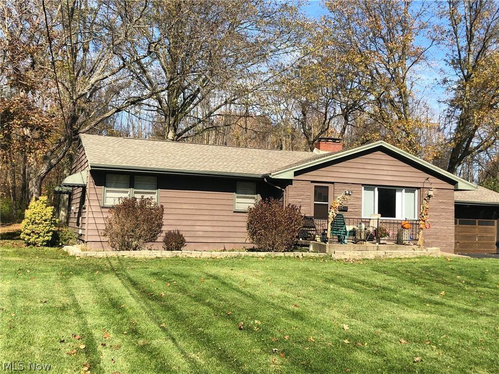 Residential for Sale at 618 Murray Hill Drive Liberty Township, Ohio 44505 United States