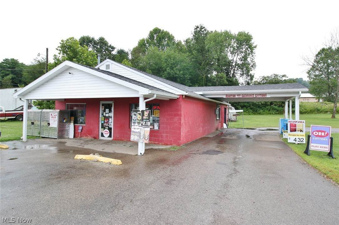 Commercial for Sale at 5230 Ceramic Road Crooksville, Ohio 43731 United States