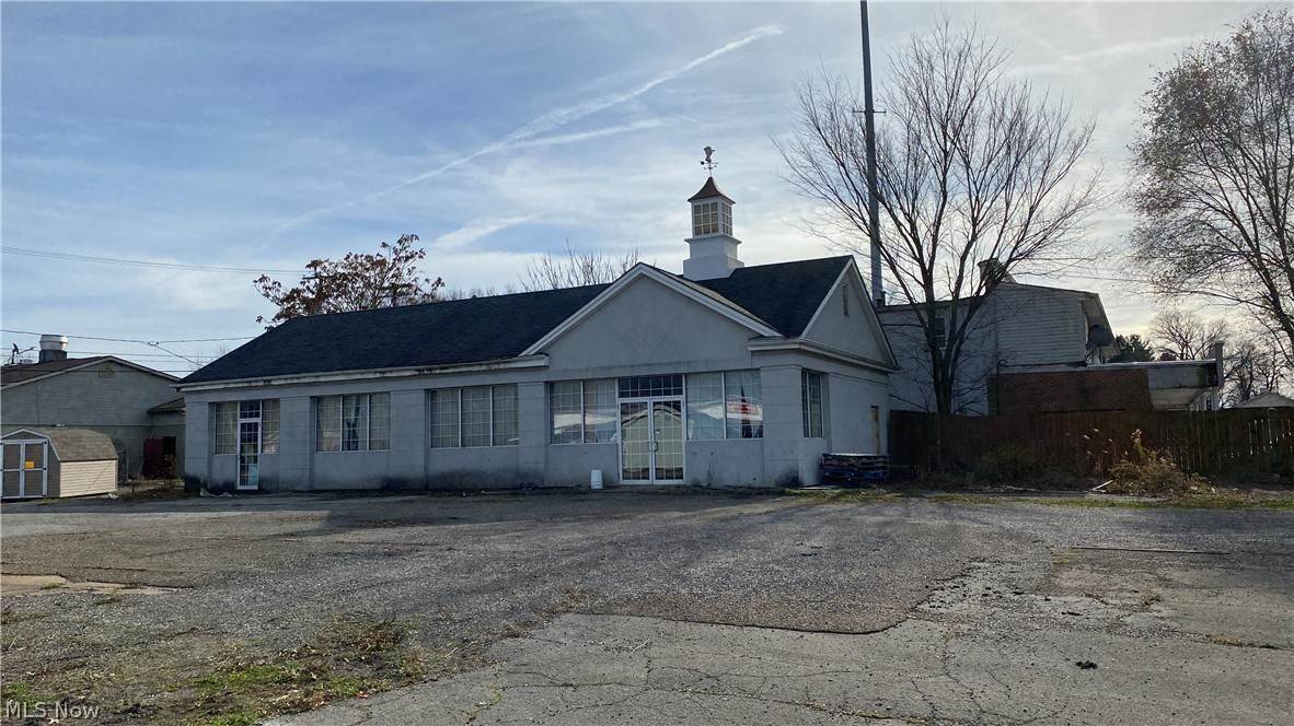 Commercial for Sale at 10967 Mahoning Avenue North Jackson, Ohio 44451 United States
