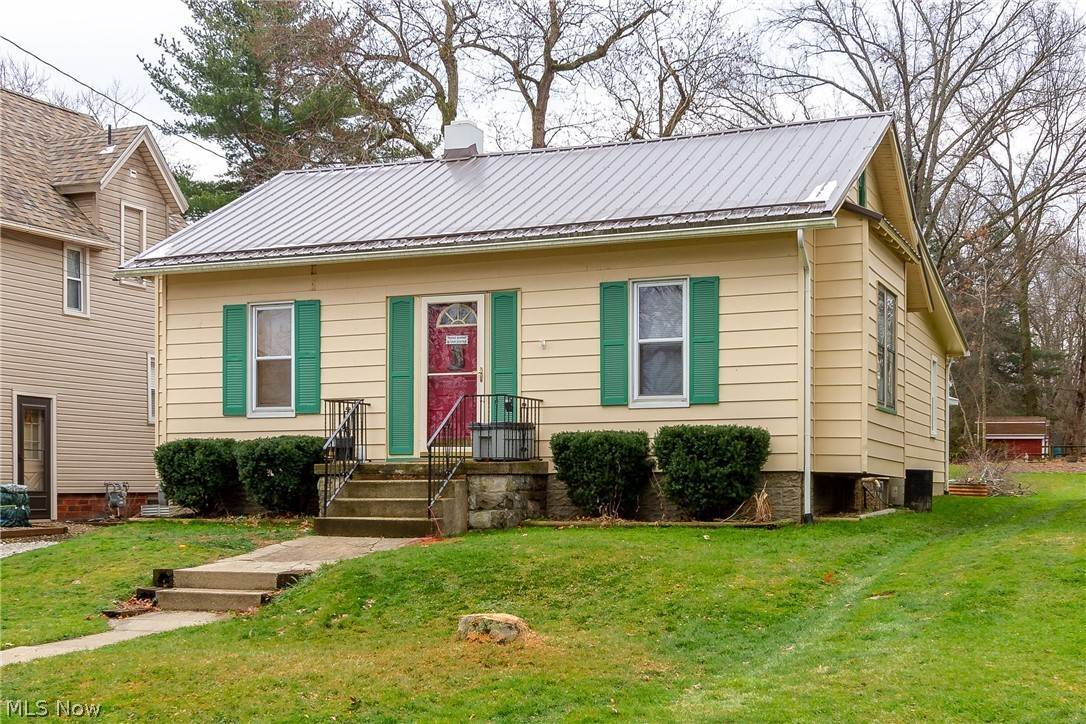 Residential for Sale at 111 W Kentucky Avenue Sebring, Ohio 44672 United States