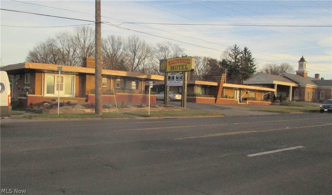 Commercial for Sale at 7015 Market Street Boardman, Ohio 44512 United States