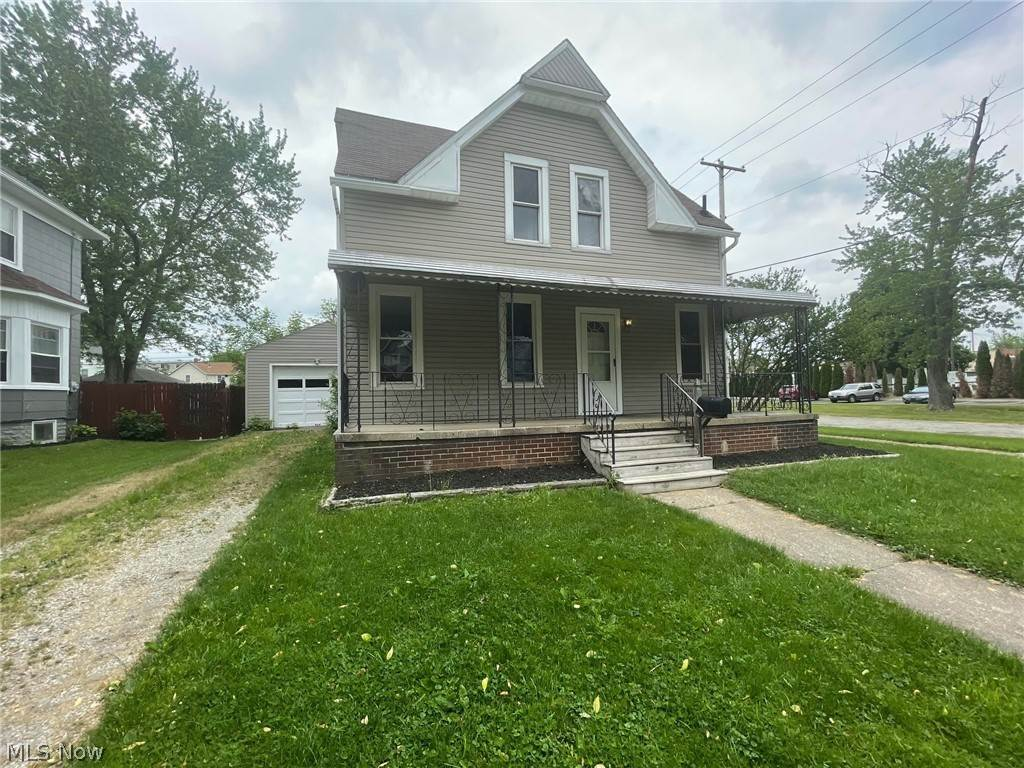 Residential for Sale at 206 W Oregon Avenue Sebring, Ohio 44672 United States