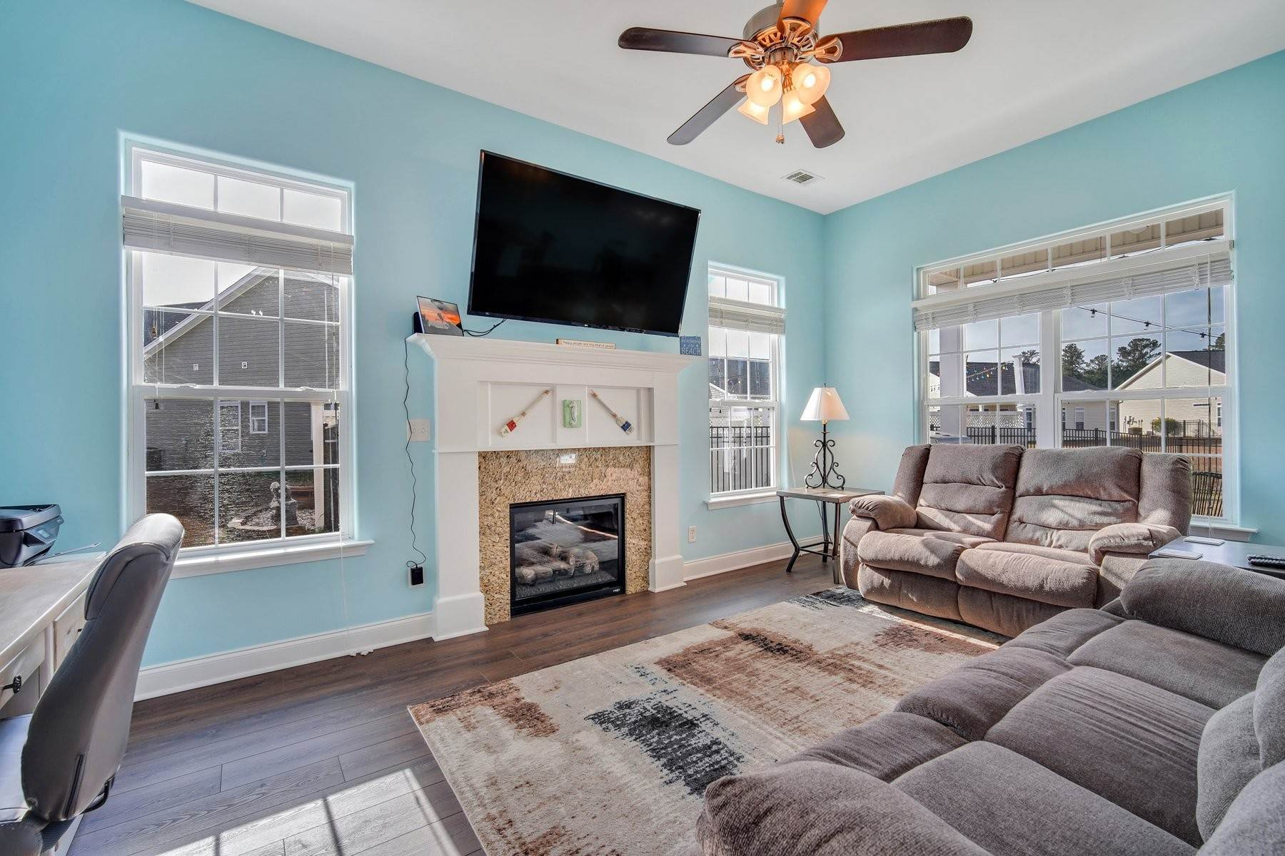7. Single Family Homes for Sale at May Model in Hearthstone Lake 749 Hearthstone Drive Ridgeland, South Carolina 29936 United States