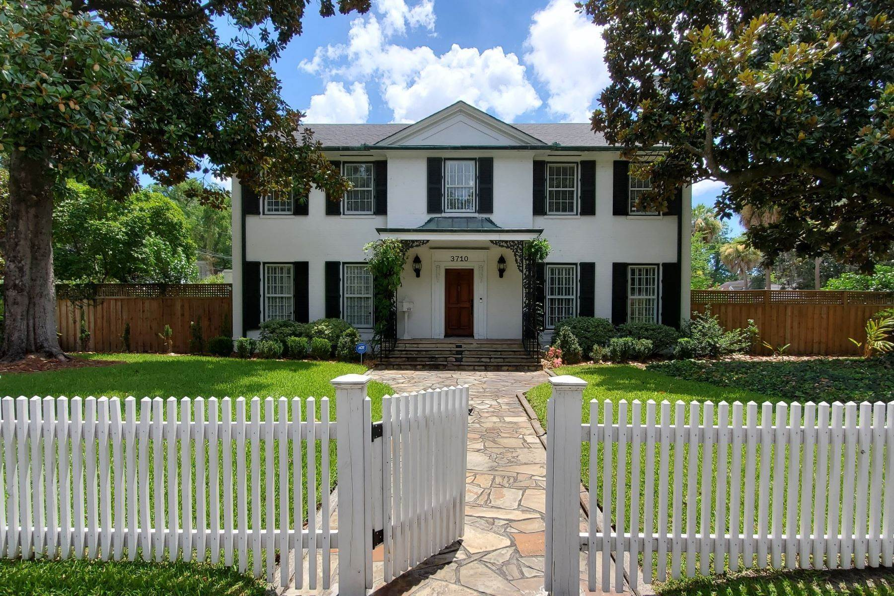Single Family Homes for Sale at Ardsley Park Estate on Adams Park designed by John C LeBey 3710 Abercorn Street Savannah, Georgia 31405 United States