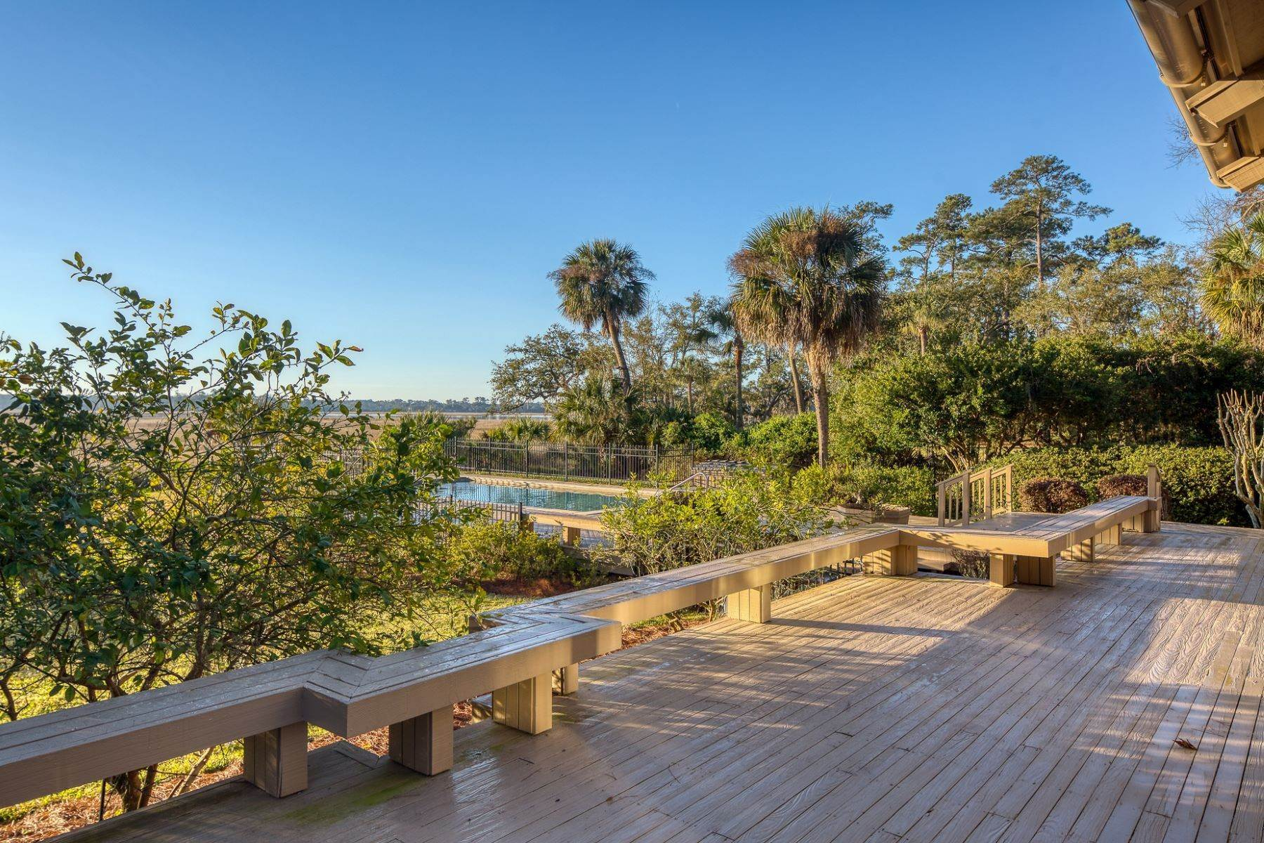 14. Single Family Homes for Sale at Live On Over 2.5 Acres That Overlook The Skidaway River And Beyond 41 Island Drive Savannah, Georgia 31406 United States