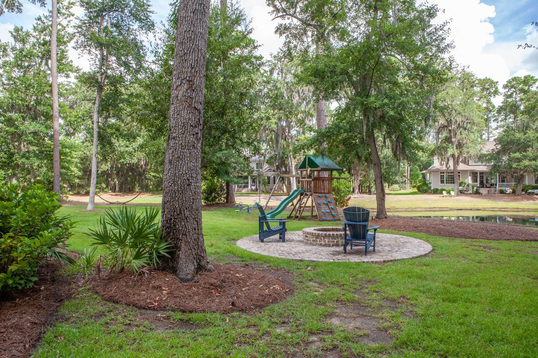 41. Single Family Homes for Sale at 73 Waterway Drive Skidaway Island, Georgia 31411 United States
