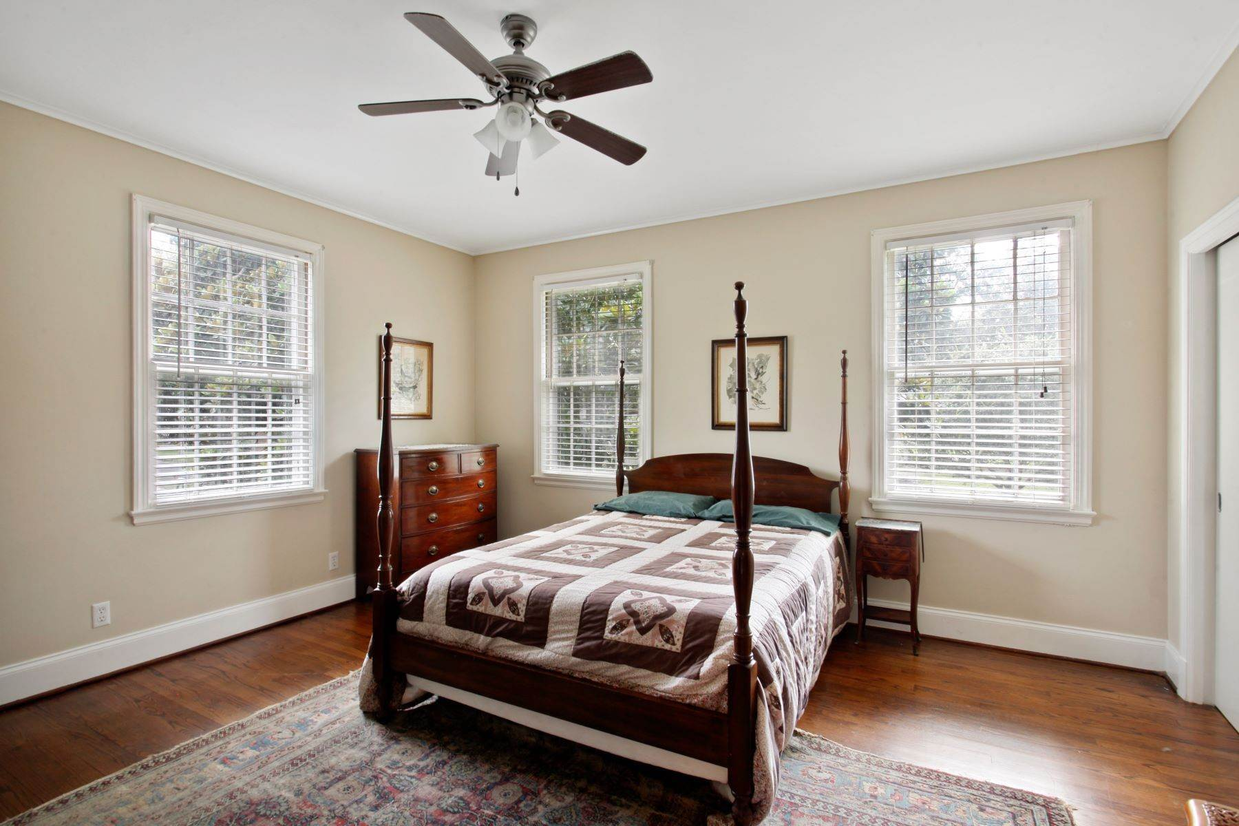 29. Single Family Homes for Sale at Ardsley Park Estate on Adams Park designed by John C LeBey 3710 Abercorn Street Savannah, Georgia 31405 United States