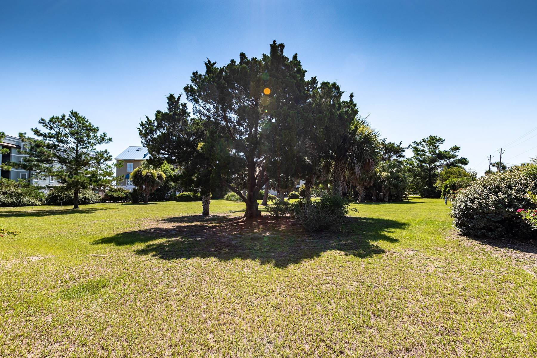 47. Single Family Homes for Sale at 3300 SF Oceanfront Home on Tybee Island 3 Oceanview Court Tybee Island, Georgia 31328 United States
