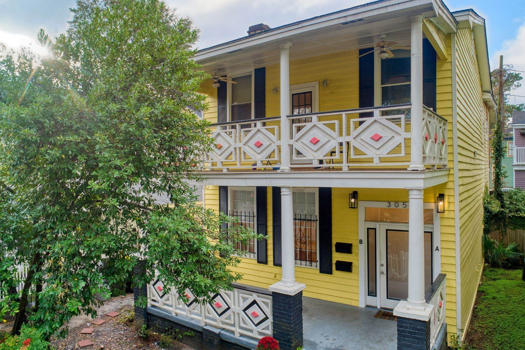 Duplex Homes for Sale at 305 E 32nd Street Savannah, Georgia 31401 United States