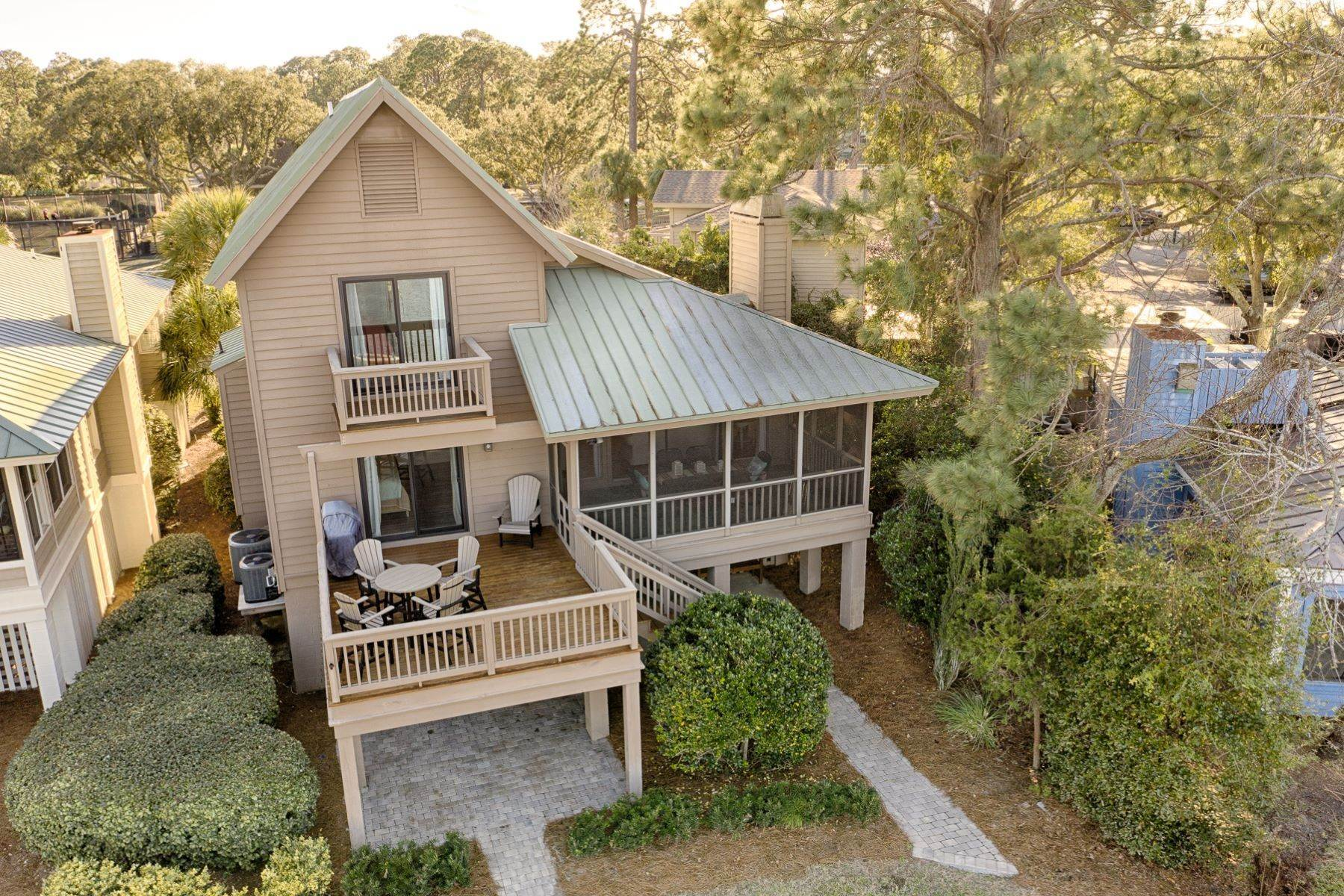 43. Single Family Homes for Sale at 12 Portside Drive Hilton Head Island, South Carolina 29928 United States
