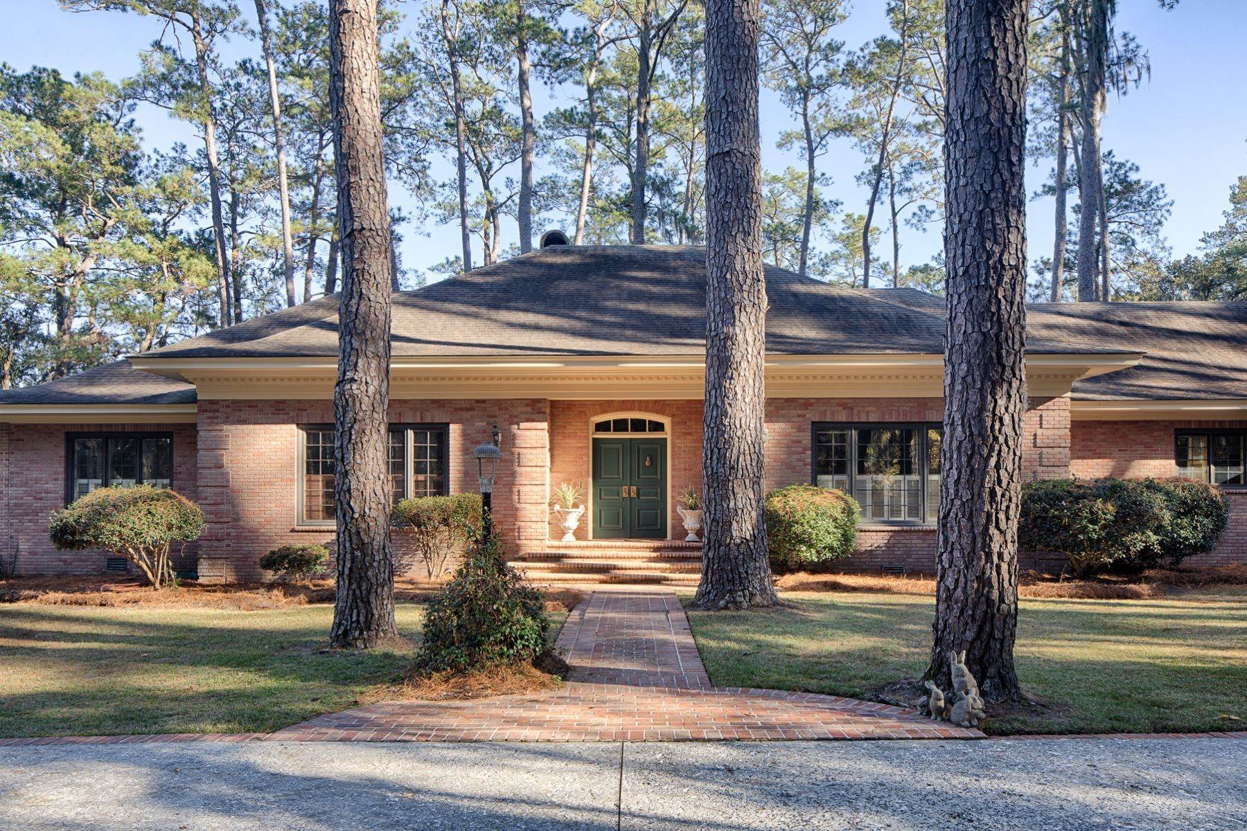 11. Single Family Homes for Sale at Exceptional Retreat on Sylvan Island located on the Herb River 6 Sylvan Island Road Savannah, Georgia 31404 United States