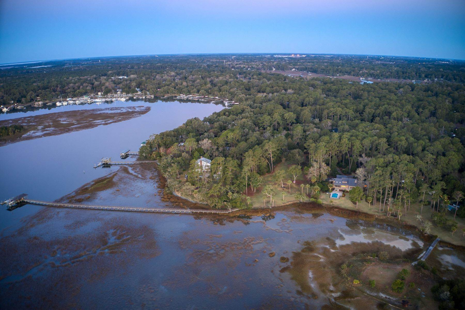 42. Single Family Homes for Sale at Live On Over 2.5 Acres That Overlook The Skidaway River And Beyond 41 Island Drive Savannah, Georgia 31406 United States