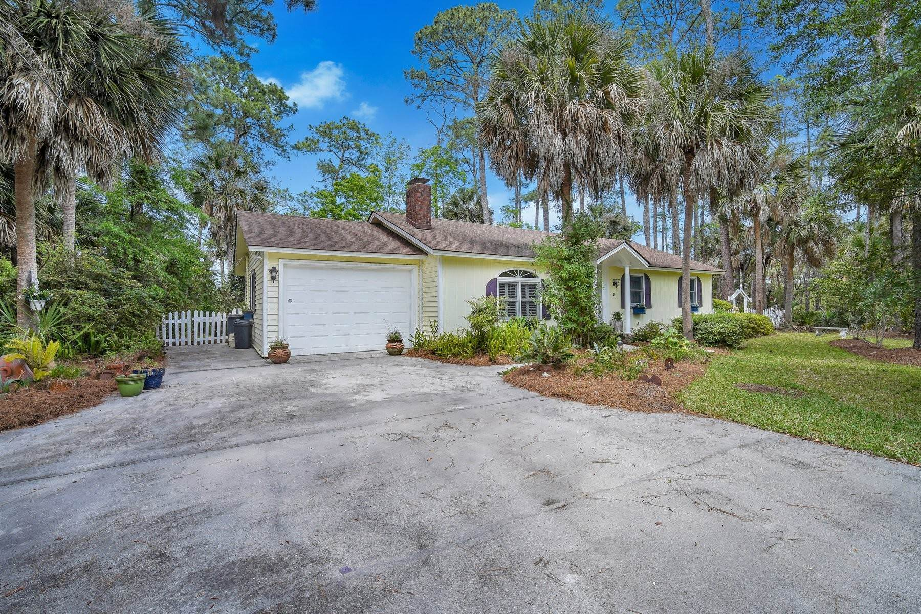 Single Family Homes for Sale at Beautiful May River and Marsh Views 7 Driftwood Lane Bluffton, South Carolina 29910 United States
