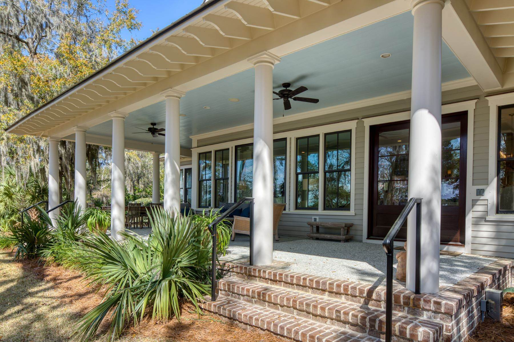 34. Single Family Homes for Sale at Peaceful Private Retreat 11 Dutch House Circle Bluffton, South Carolina 29910 United States