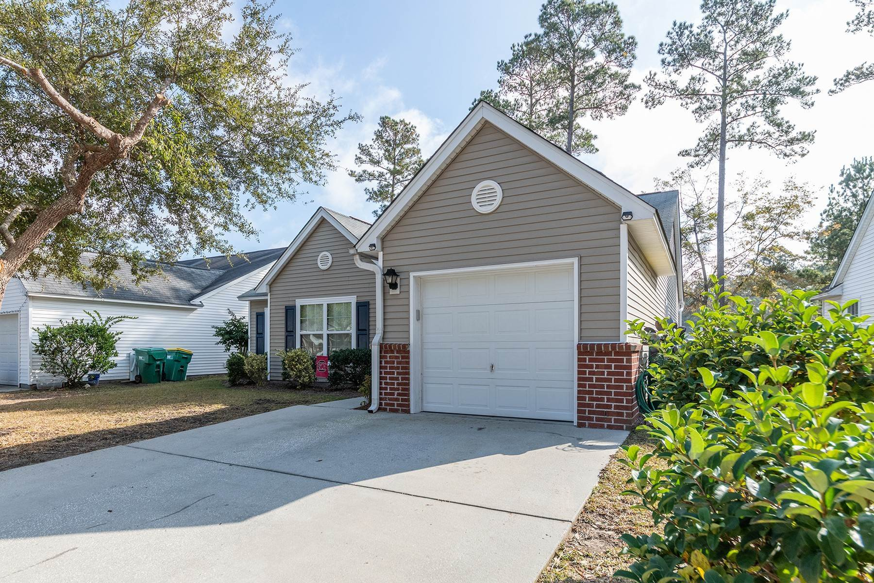 Single Family Homes for Sale at 17 Spruce Drive Bluffton, South Carolina 29910 United States