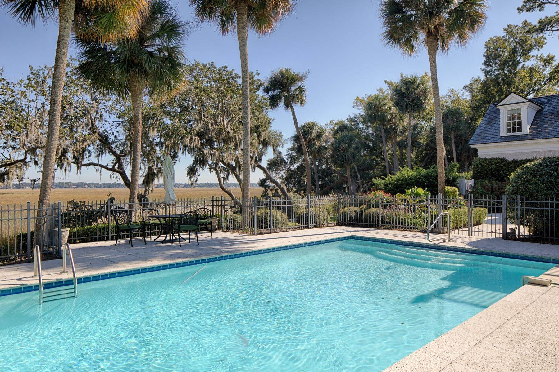 30. Single Family Homes for Sale at 108 Modena Island Drive Skidaway Island, Georgia 31411 United States