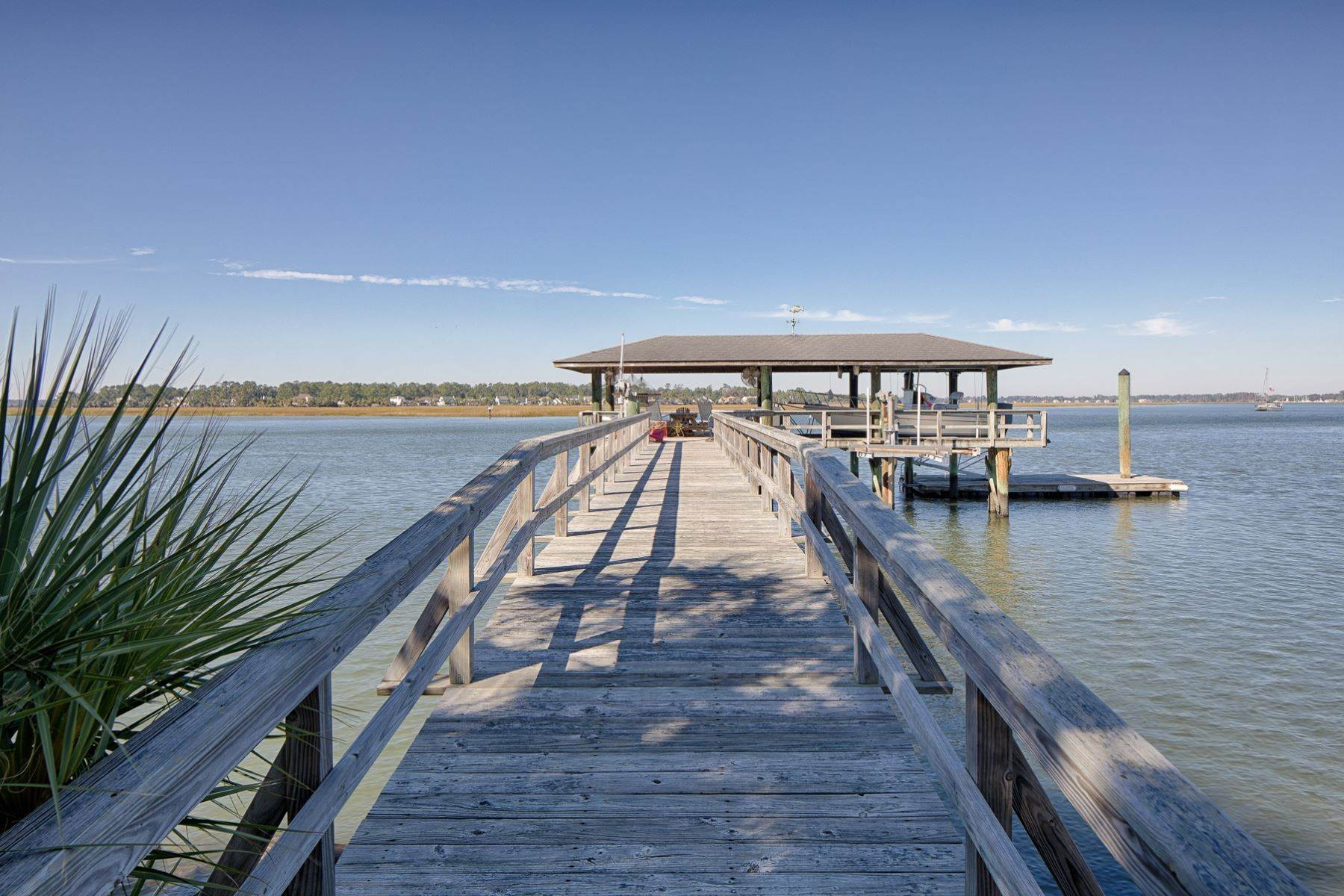 36. Single Family Homes for Sale at 108 Modena Island Drive Skidaway Island, Georgia 31411 United States