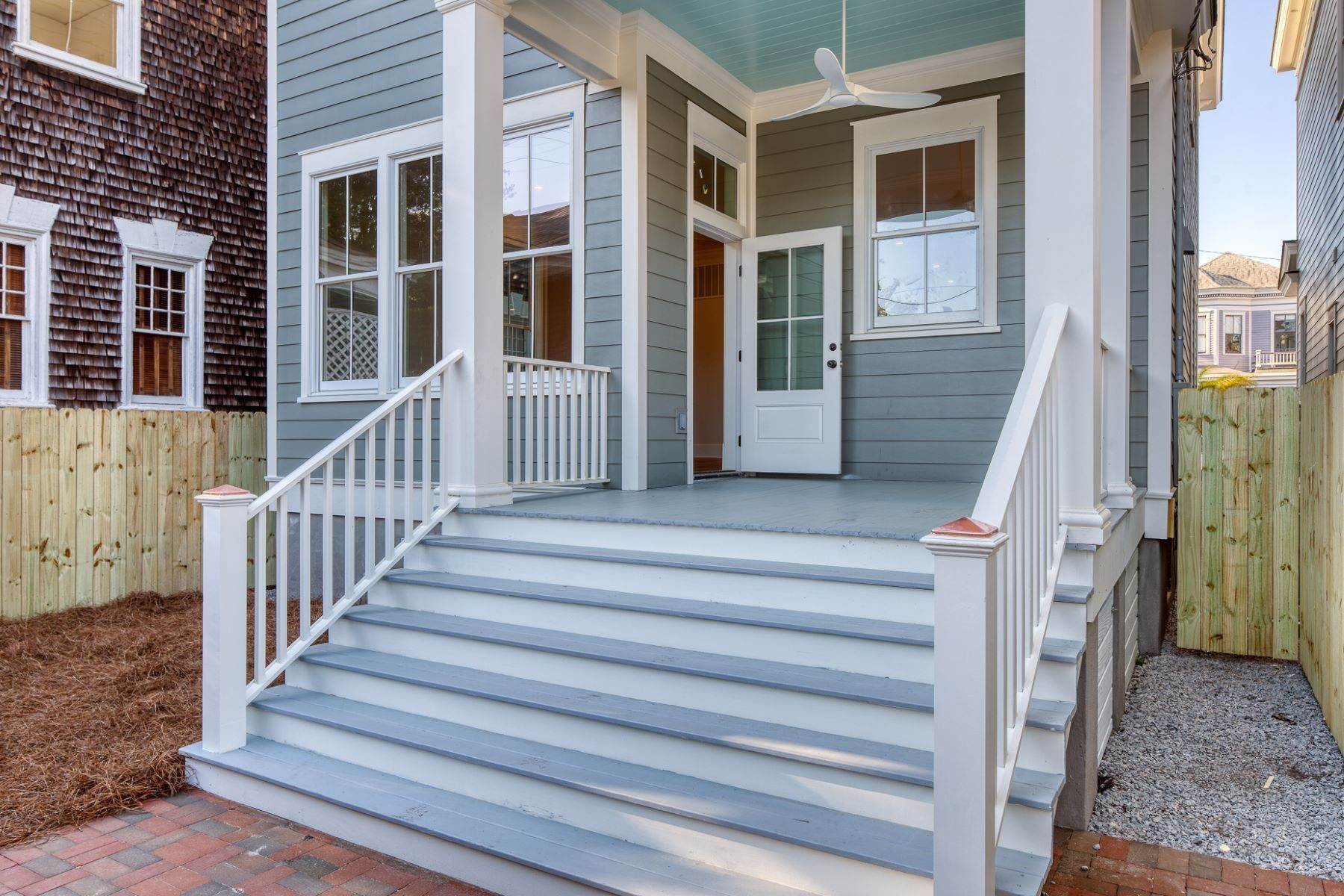 22. Single Family Homes for Sale at Incredible New Construction Home Located In The Starland District 118 E 36th Street Savannah, Georgia 31401 United States