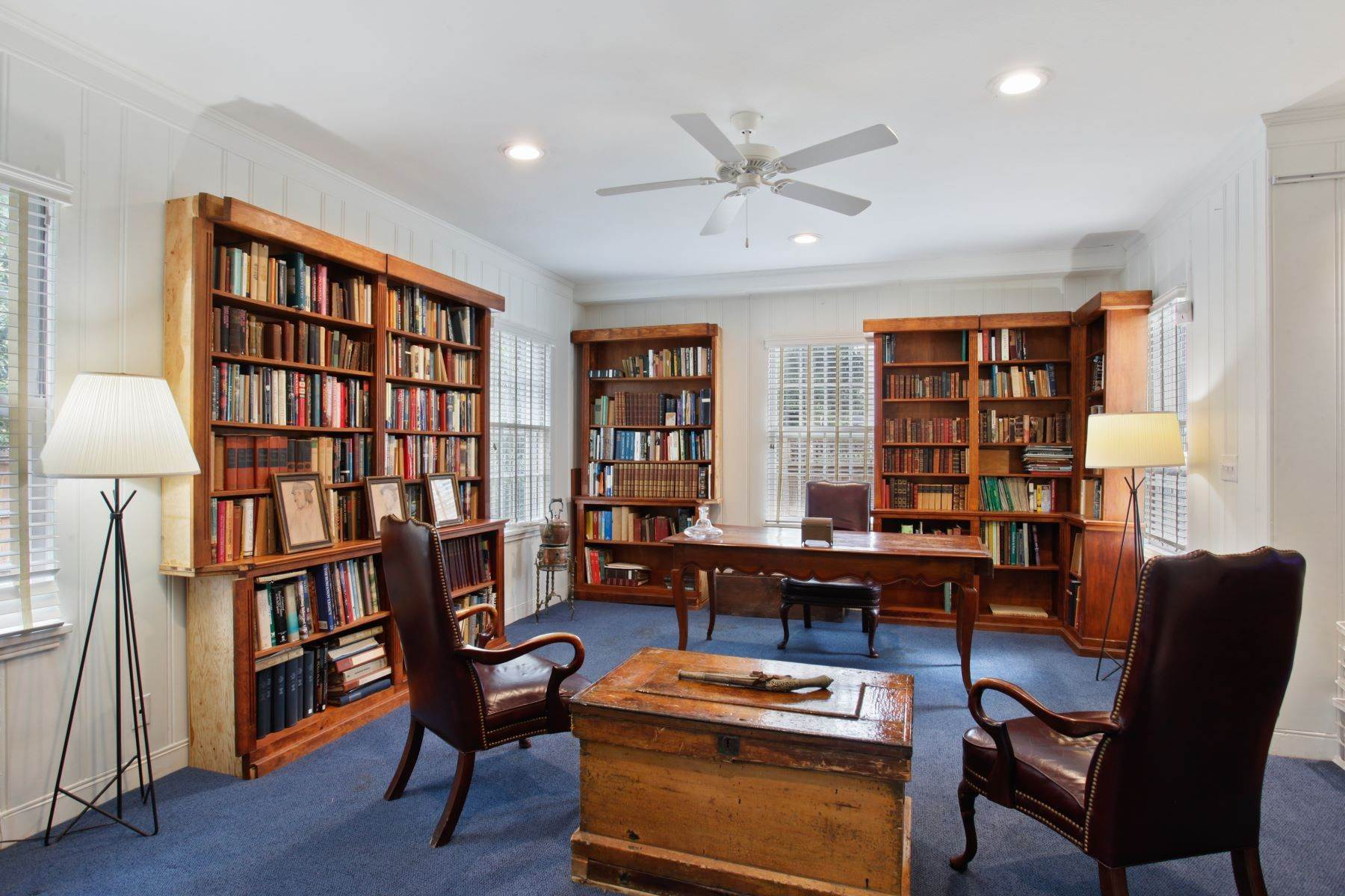 20. Single Family Homes for Sale at Ardsley Park Estate on Adams Park designed by John C LeBey 3710 Abercorn Street Savannah, Georgia 31405 United States