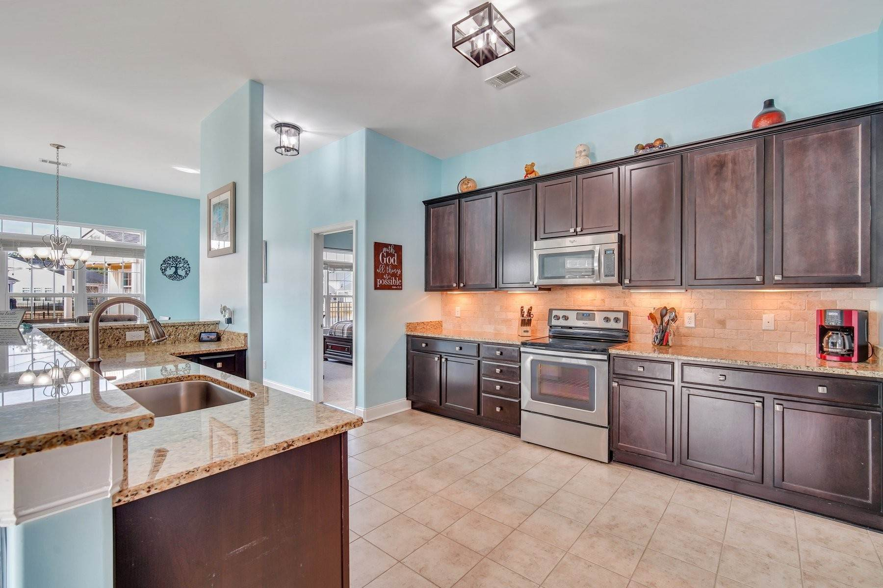 12. Single Family Homes for Sale at May Model in Hearthstone Lake 749 Hearthstone Drive Ridgeland, South Carolina 29936 United States