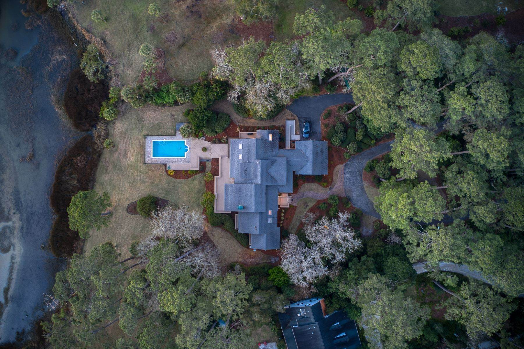 2. Single Family Homes for Sale at Live On Over 2.5 Acres That Overlook The Skidaway River And Beyond 41 Island Drive Savannah, Georgia 31406 United States