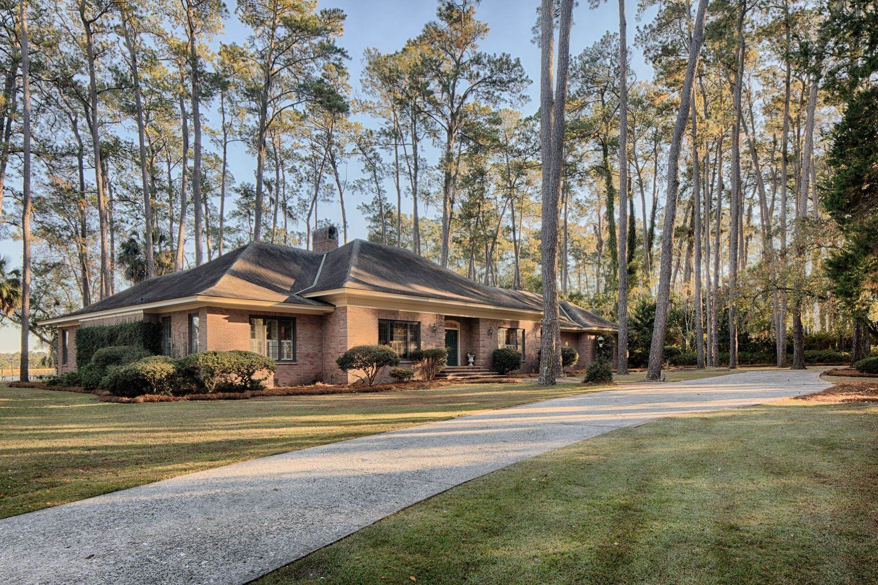 6. Single Family Homes for Sale at Exceptional Retreat on Sylvan Island located on the Herb River 6 Sylvan Island Road Savannah, Georgia 31404 United States