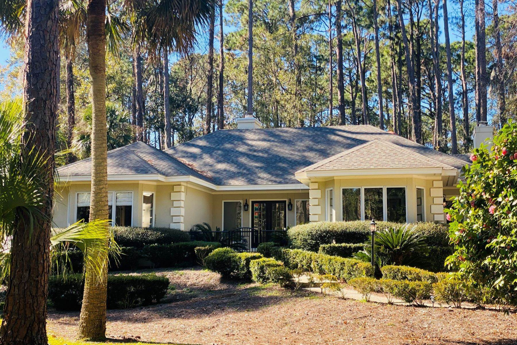 Single Family Homes for Sale at 1 Hobnoy Court Hilton Head Island, South Carolina 29928 United States