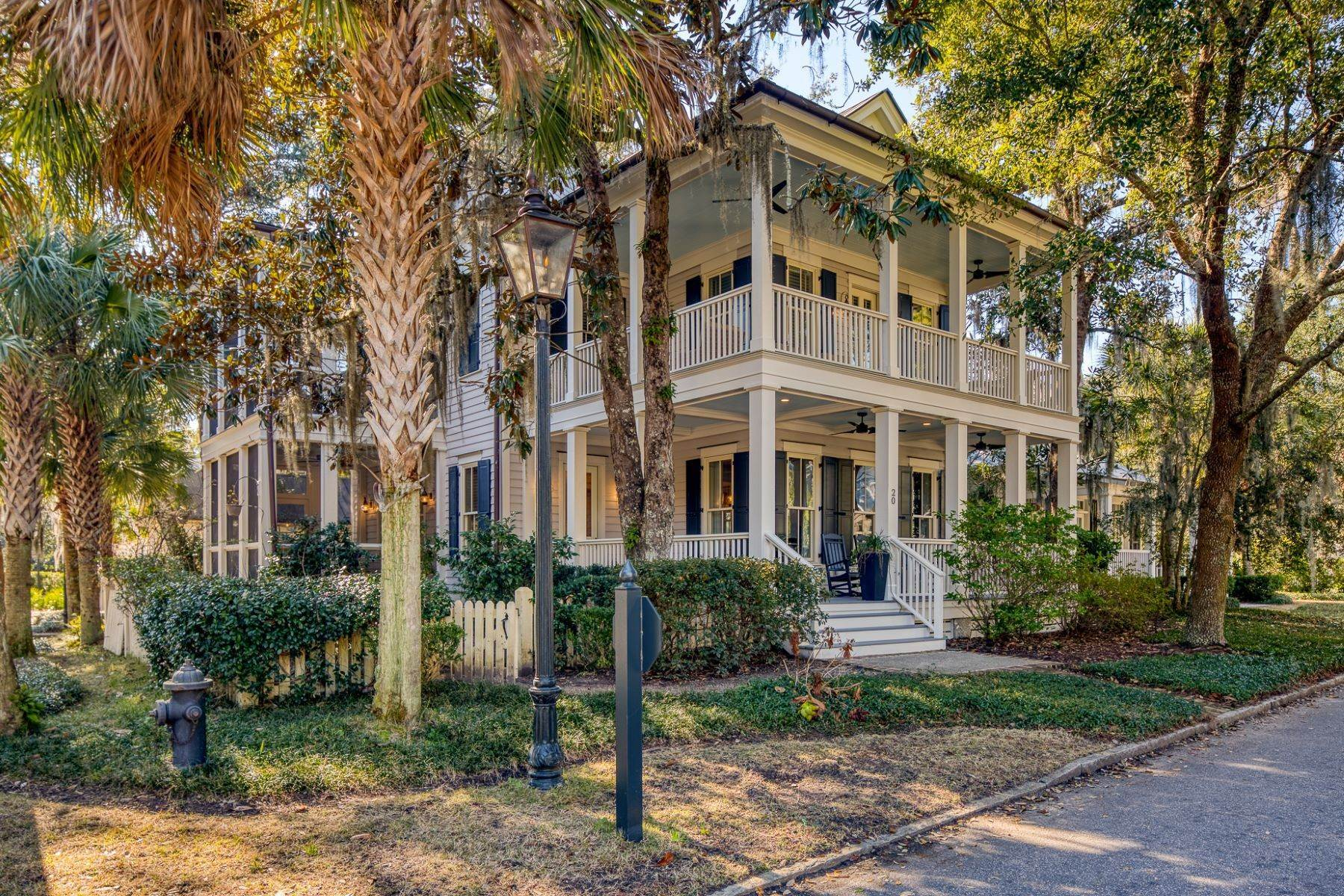 Single Family Homes for Sale at The Heart of Wilson Village 20 S. Drayton Street Bluffton, South Carolina 29910 United States
