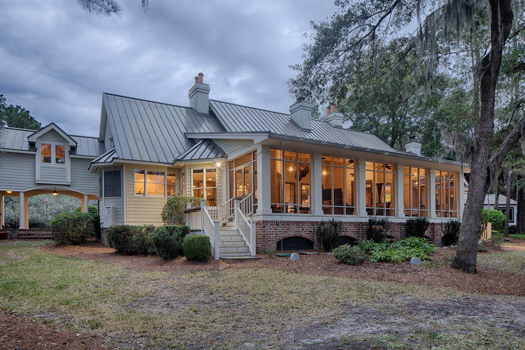 42. Single Family Homes for Sale at 7 Acres in Gascoigne Bluff 155 Gascoigne Bluff Road Bluffton, South Carolina 29910 United States