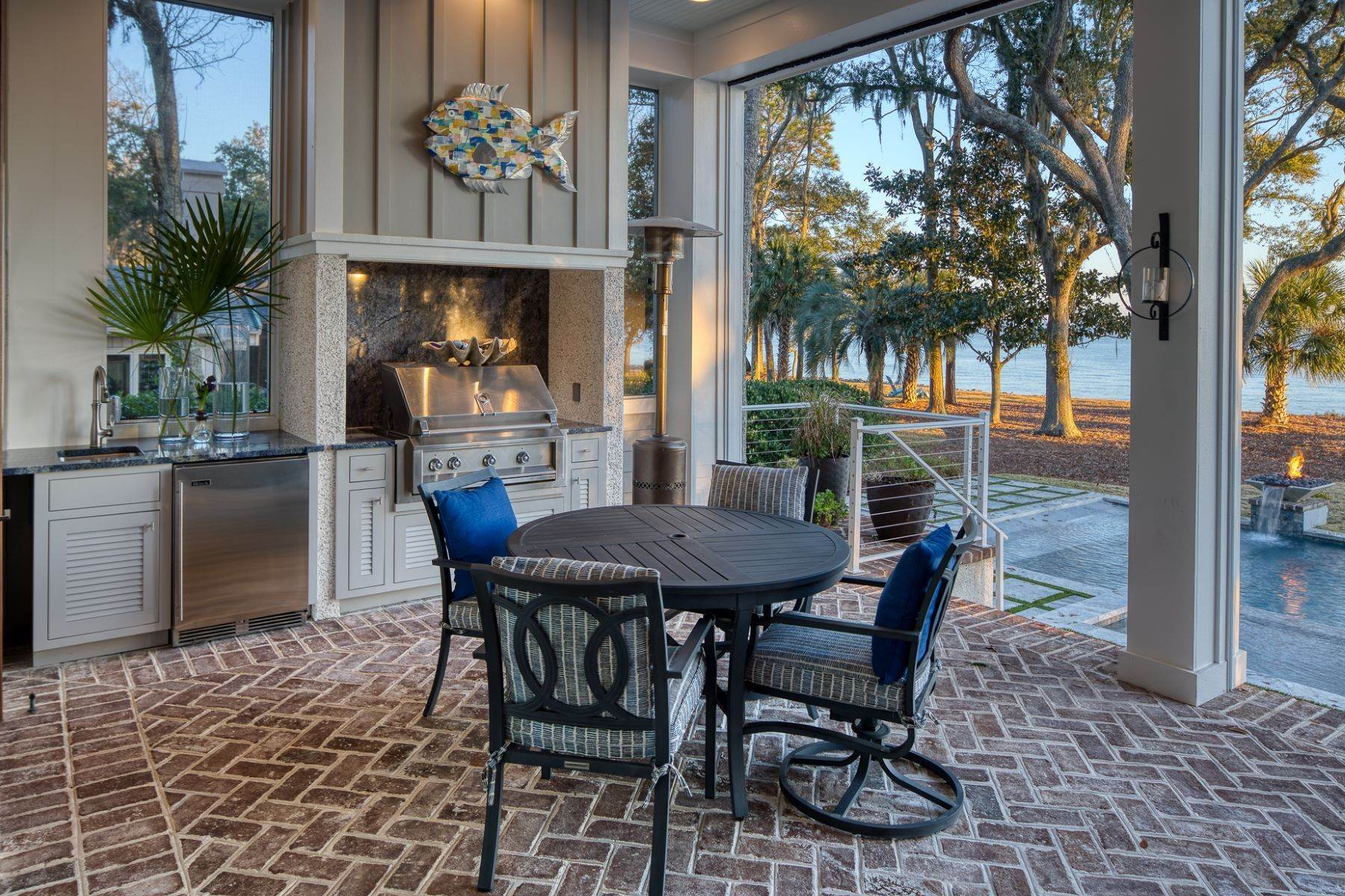23. Single Family Homes for Sale at Hilton Head Island 25 China Cockle Way Hilton Head Island, South Carolina 29926 United States