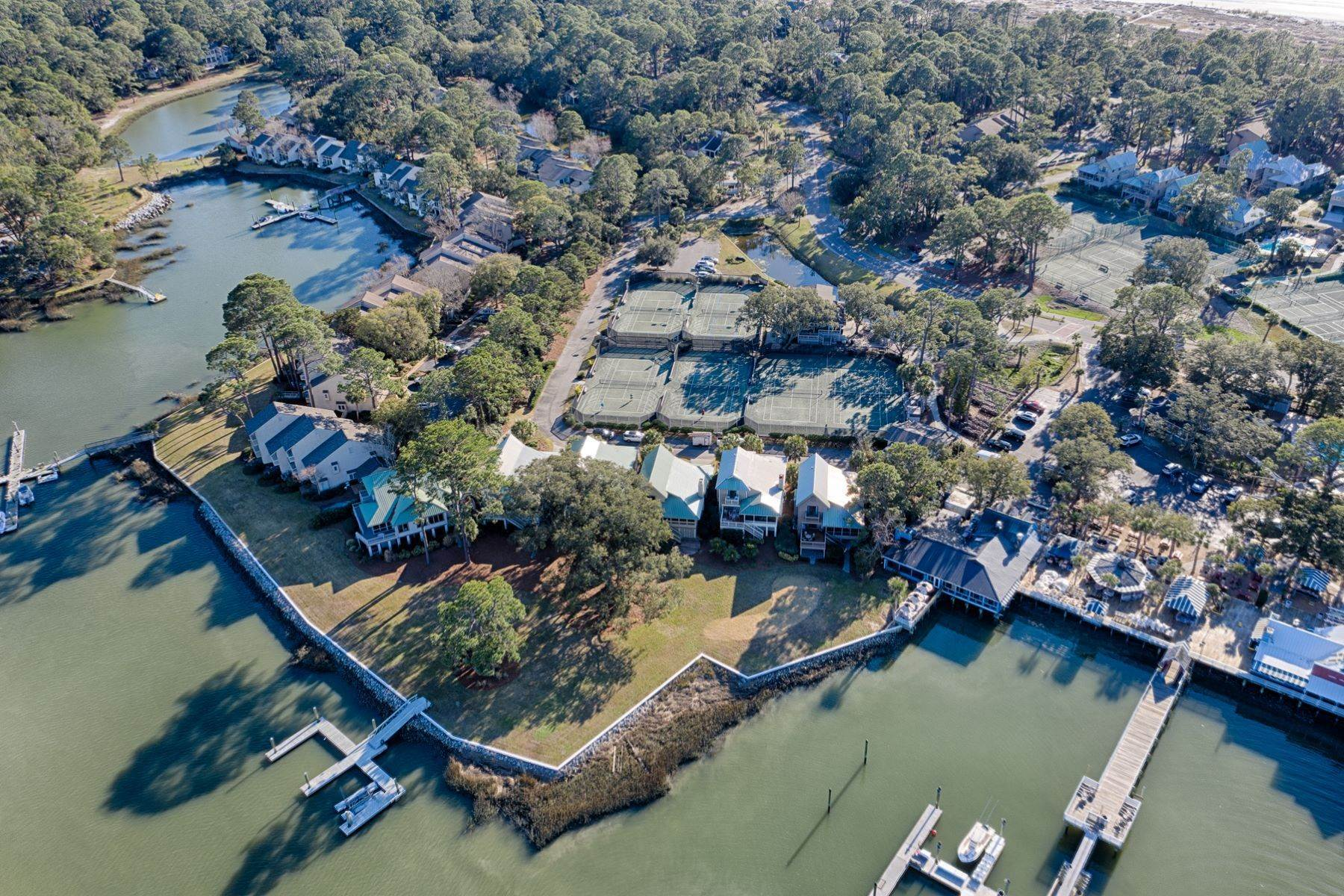 48. Single Family Homes for Sale at 12 Portside Drive Hilton Head Island, South Carolina 29928 United States