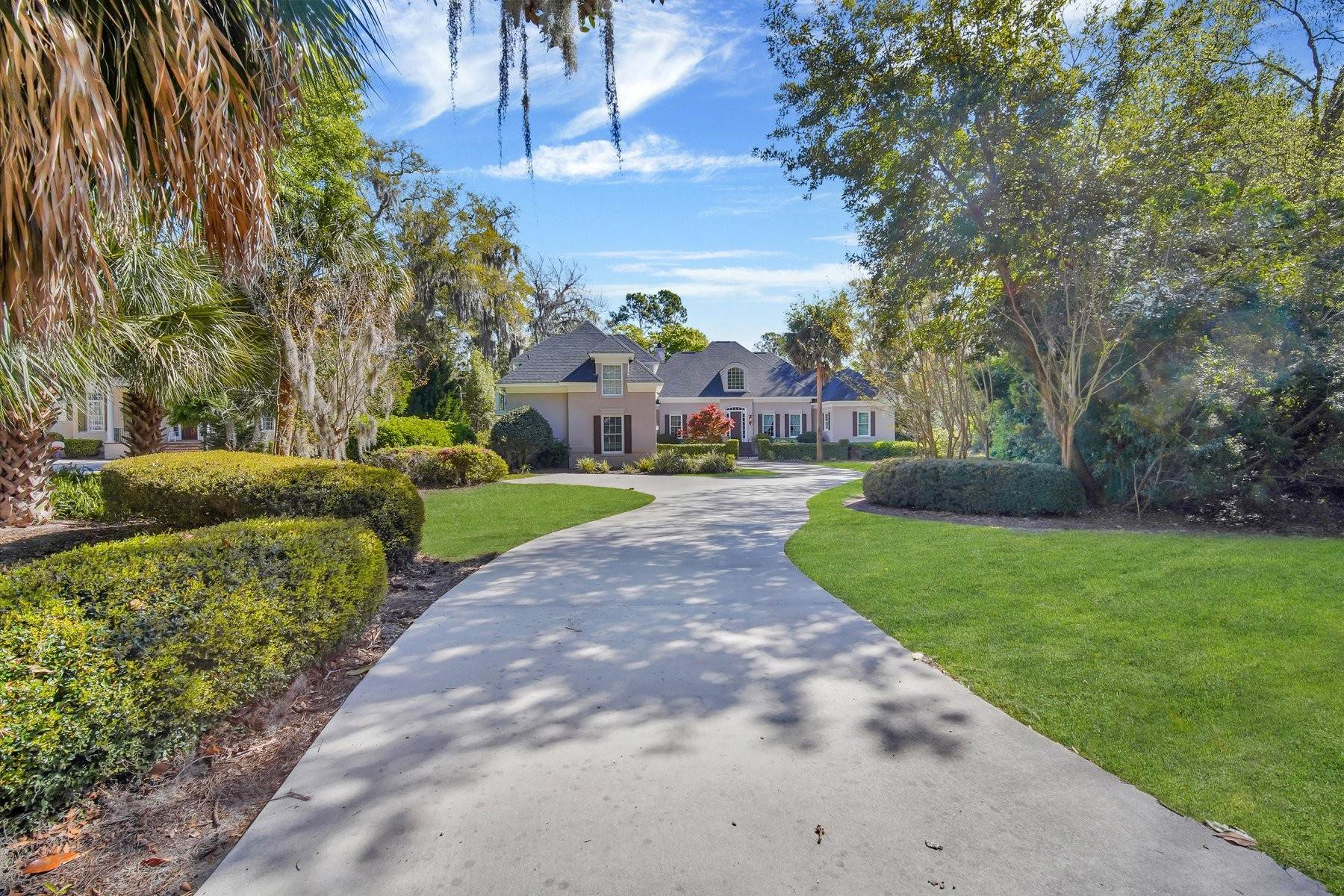 40. Single Family Homes for Sale at Ideally Located Landings Home Between Eastern Marsh And Palmetto Clubhouse 3 Lakewood Court Skidaway Island, Georgia 31411 United States