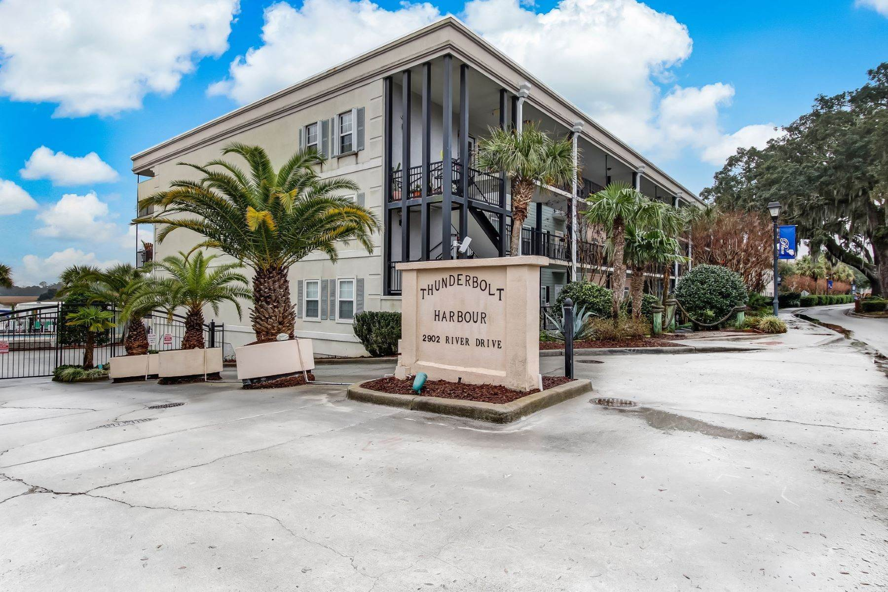 Condominiums for Sale at Luxury Condo in Gated Waterfront Community in Historic Thunderbolt 2902 River Drive, Unit #D-303 Thunderbolt, Georgia 31404 United States