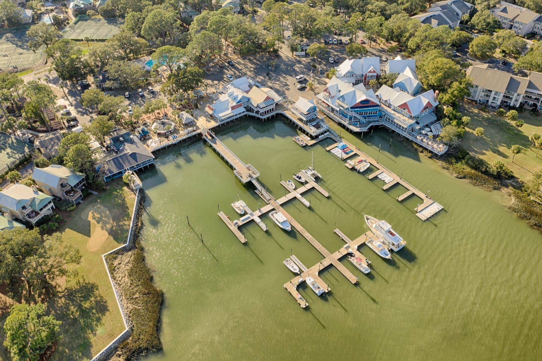 39. Single Family Homes for Sale at 12 Portside Drive Hilton Head Island, South Carolina 29928 United States