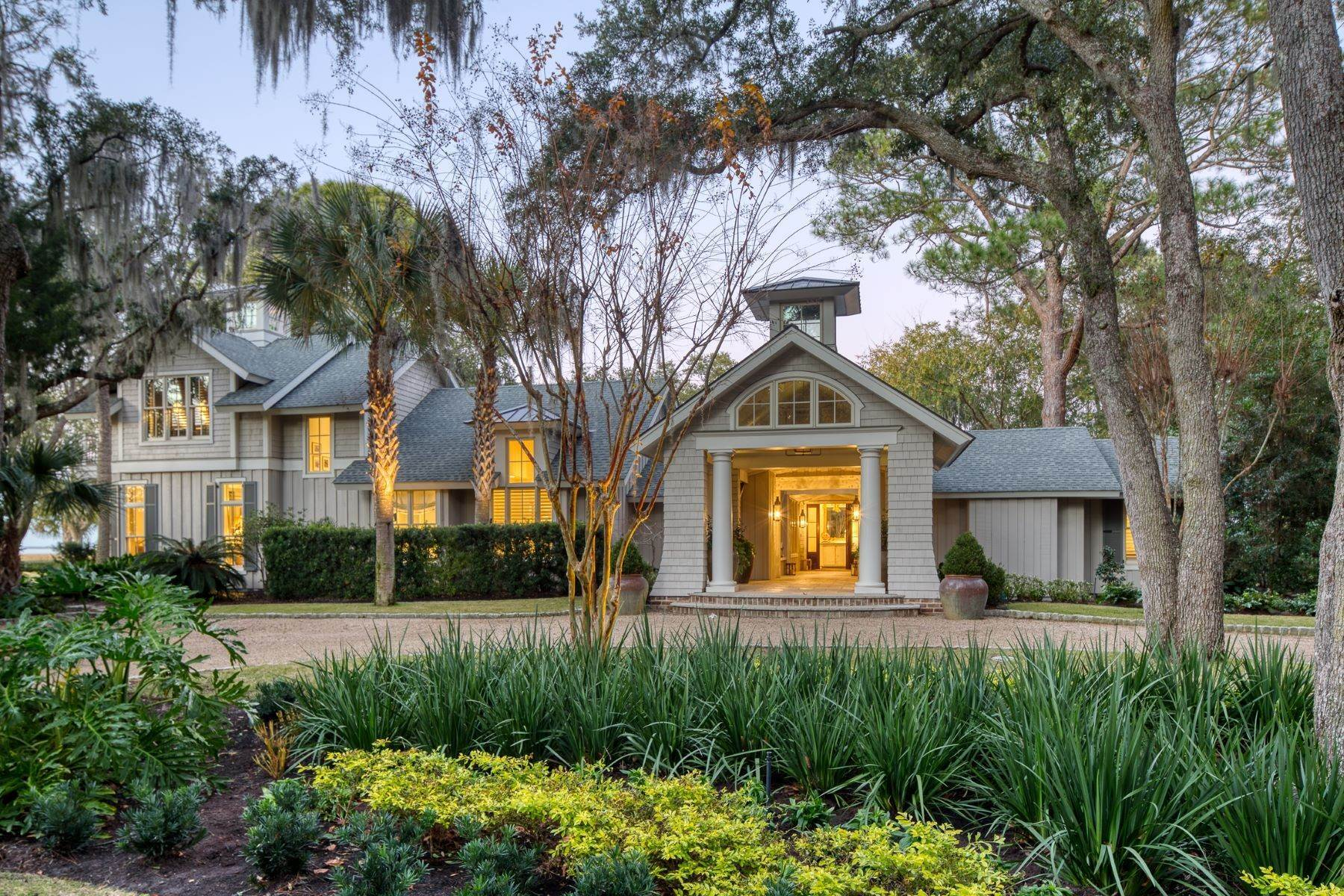 2. Single Family Homes for Sale at Premier Waterfront 71 North Calibogue Cay Hilton Head Island, South Carolina 29928 United States