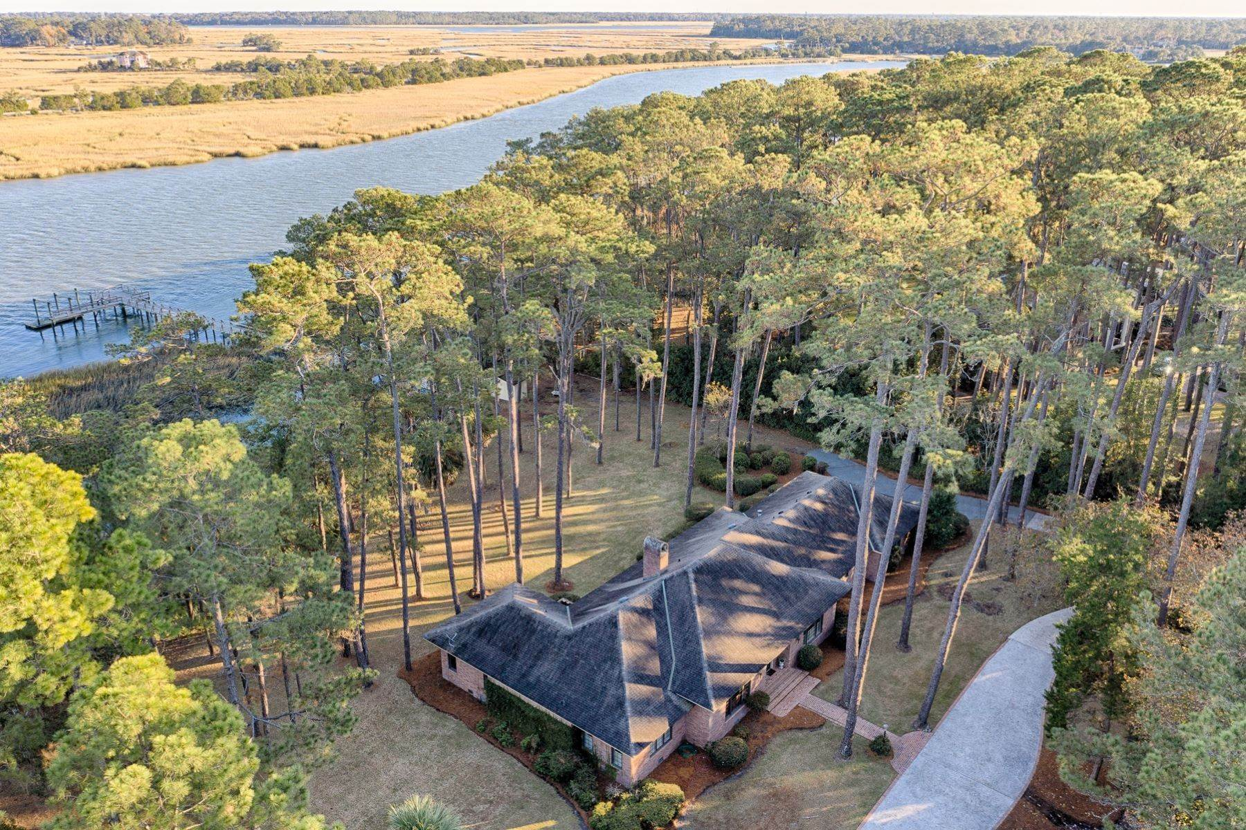 46. Single Family Homes for Sale at Exceptional Retreat on Sylvan Island located on the Herb River 6 Sylvan Island Road Savannah, Georgia 31404 United States