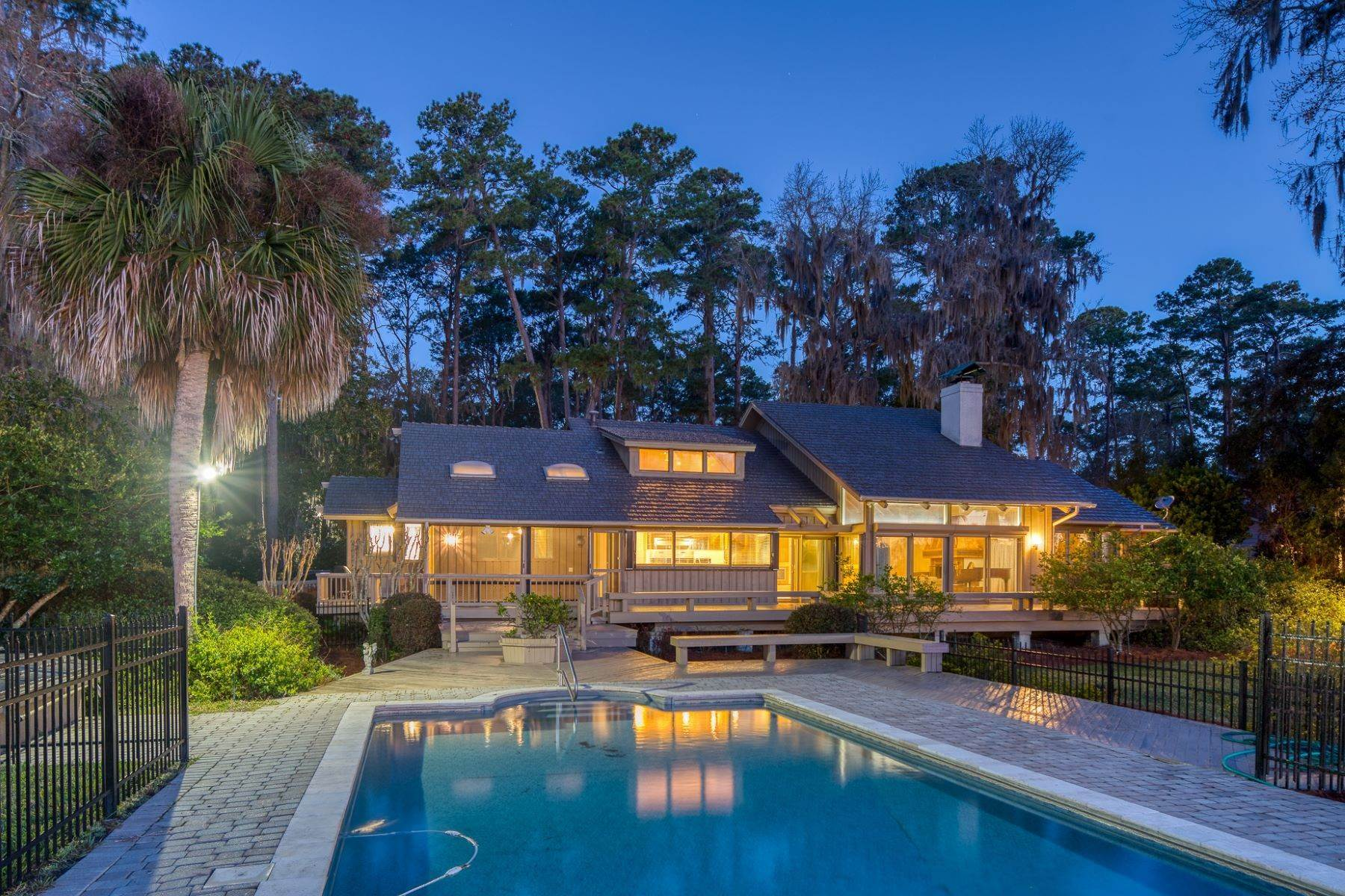 5. Single Family Homes for Sale at Live On Over 2.5 Acres That Overlook The Skidaway River And Beyond 41 Island Drive Savannah, Georgia 31406 United States