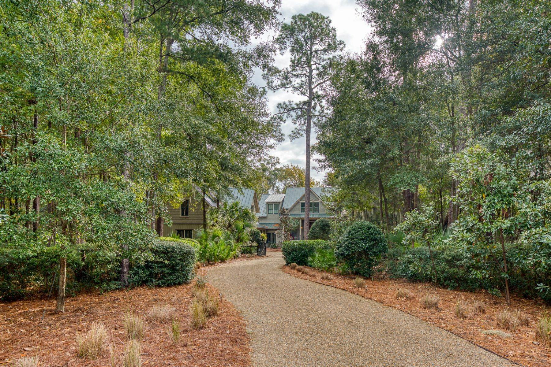 3. Single Family Homes for Sale at Endless May River Views! 75 Greenleaf Road Bluffton, South Carolina 29910 United States