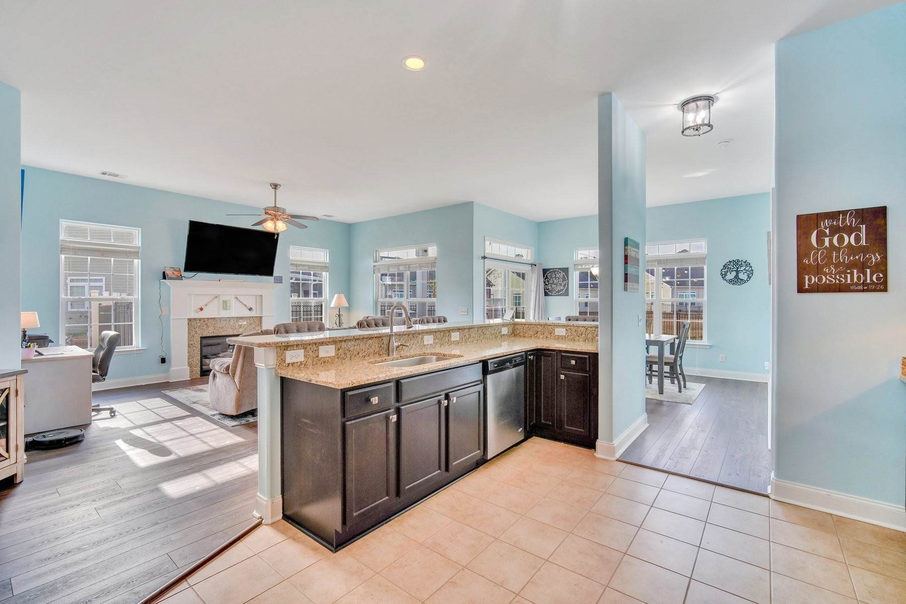 14. Single Family Homes for Sale at May Model in Hearthstone Lake 749 Hearthstone Drive Ridgeland, South Carolina 29936 United States
