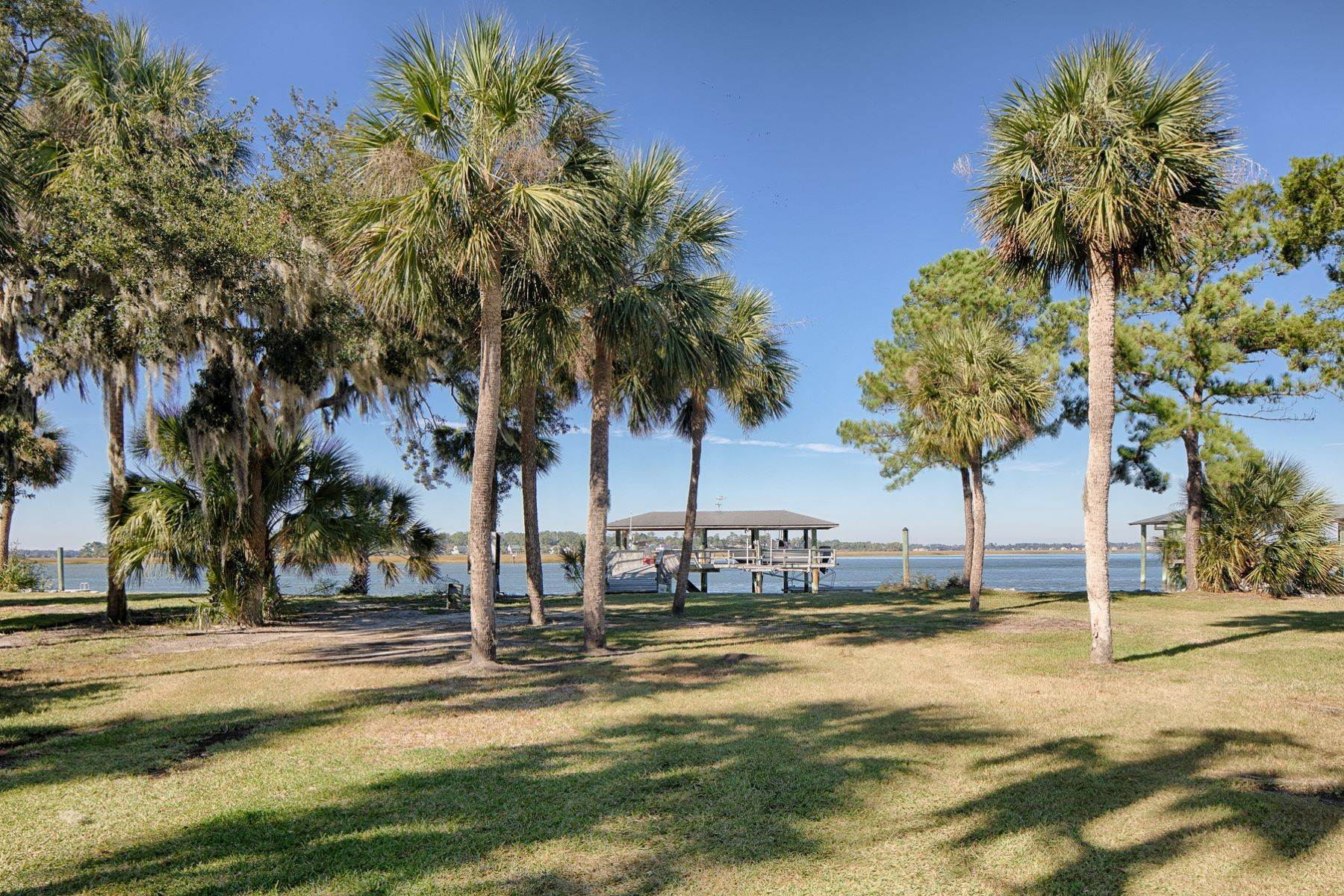 42. Single Family Homes for Sale at 108 Modena Island Drive Skidaway Island, Georgia 31411 United States