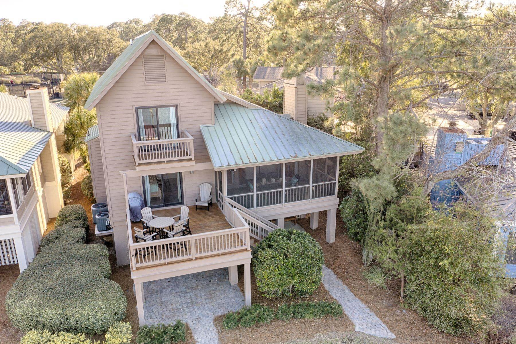 42. Single Family Homes for Sale at 12 Portside Drive Hilton Head Island, South Carolina 29928 United States