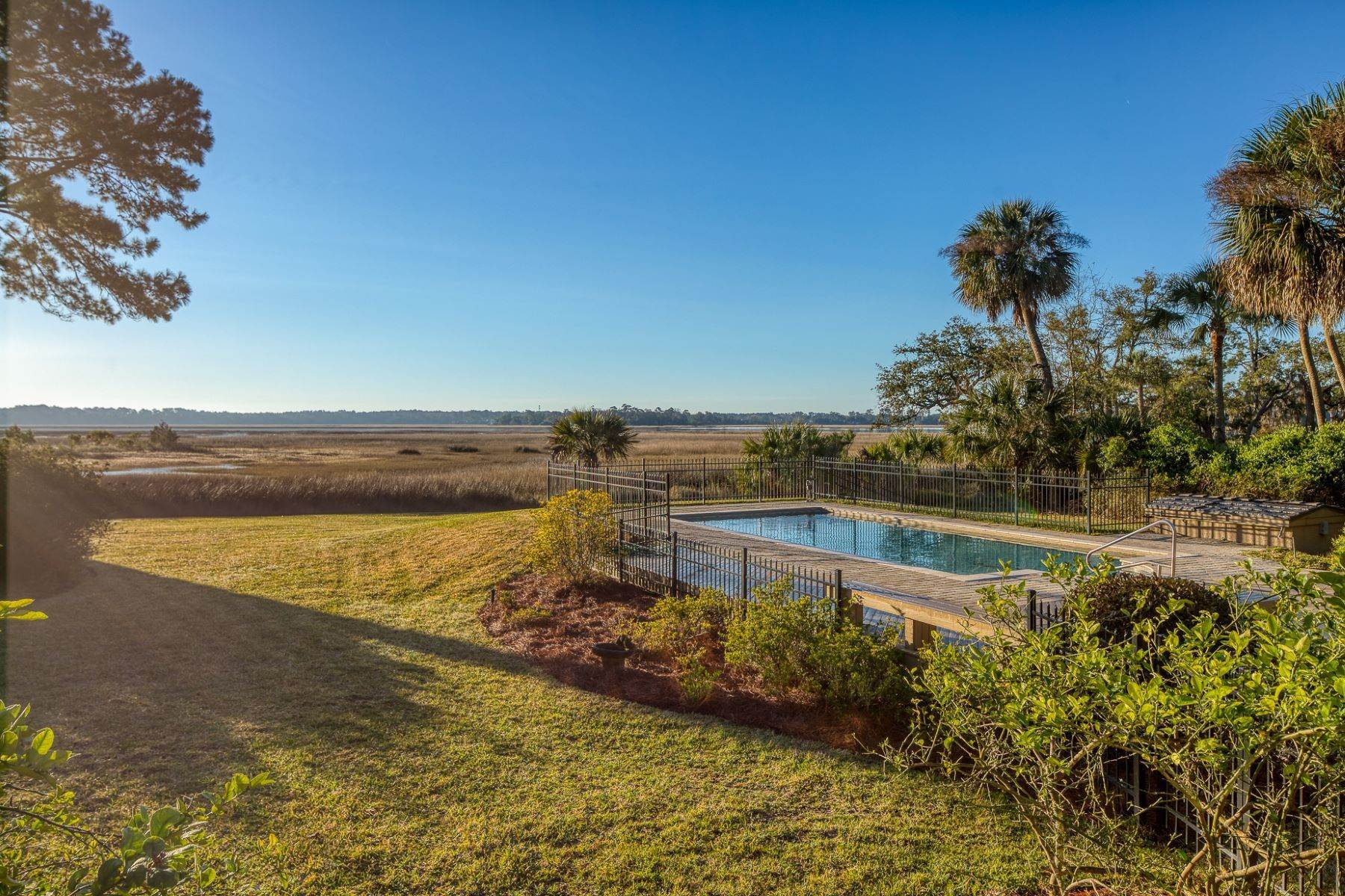 13. Single Family Homes for Sale at Live On Over 2.5 Acres That Overlook The Skidaway River And Beyond 41 Island Drive Savannah, Georgia 31406 United States